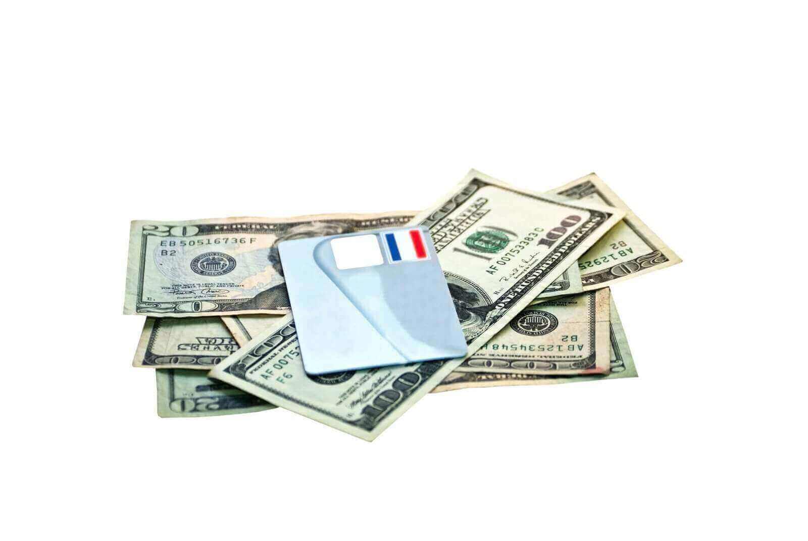 Карта или деньги
