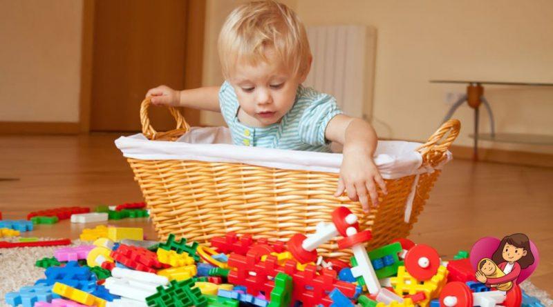 убери игрушки в ящик